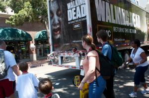 The Walking dead trailer publicidad asombrosa