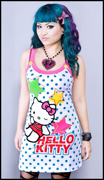 vestido de hellokitty emo