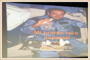 Primero taco en el espacio por Rodolfo Neri